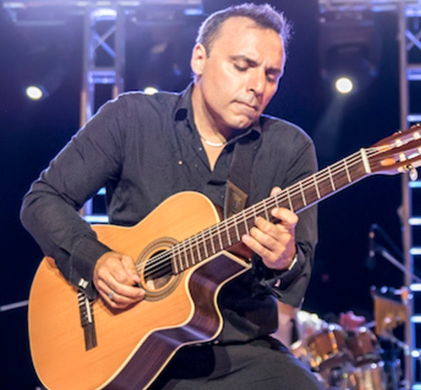 Pavlo-in-Concert-Mediterranian-Thumb.jpg