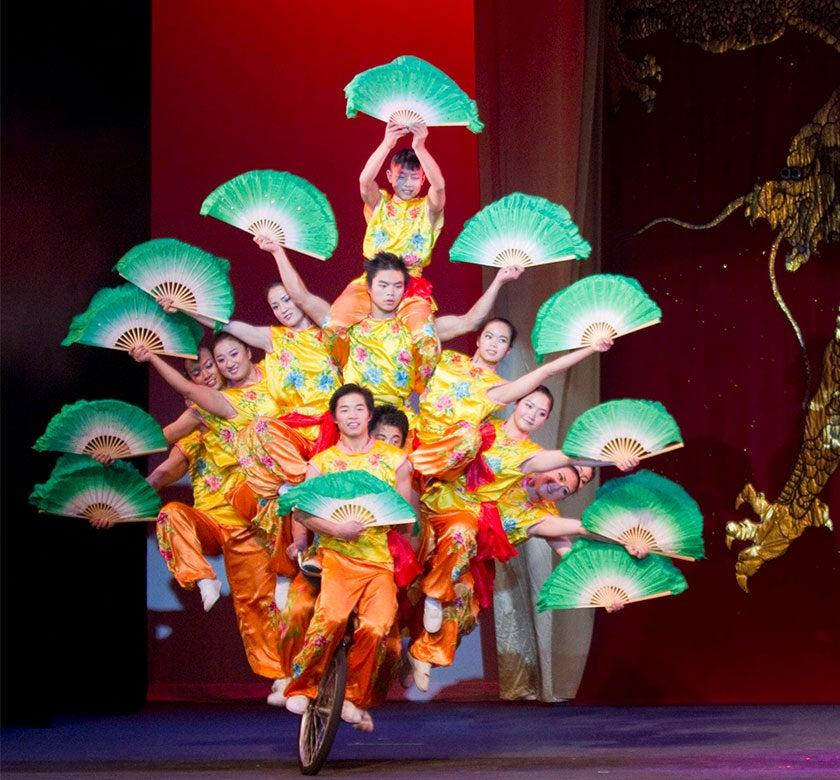 Peking-Acrobats-Thumb.jpg